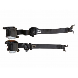 BMW F25 X3 seat belts